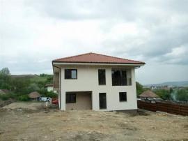 Casa cu 5 camere si 220 teren in Dezmir