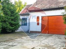 Casă de Inchiriat Piata Cluj 3 Camere plus Curte si Garaj