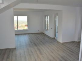 Casa finisata cu 600 m teren de in Dezmir, Cluj