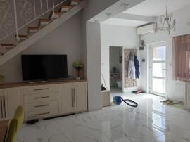 Apartament 4 camere la casa P+M, sc 150 mp , lux , central
