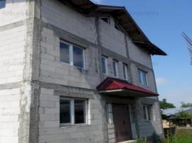 Casa Mare cu 6 Camere in Dragomiresti-Deal