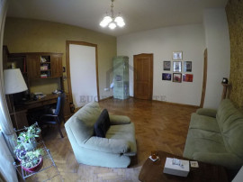 Sinaia, 4 camere, etajul 1/2, amenajat, renovat
