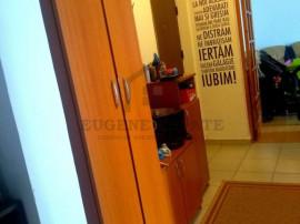 Apartament 3 camere, zona Moinesti