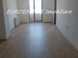 Apartament decomandat cu 3 camere,zona km 4-5 (Solid house)