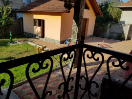 Vila 5 camere,4 bai,zona Ceangai