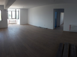 Ultimul Apartament nou etaj 1