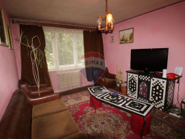 Apartament 3 camere, et 3/4, Piata Hermes - Rasinari
