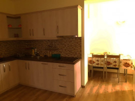 Apartament la casa intr-o zona buna
