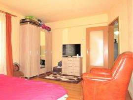 Apartament spatios, cu balcon, pe strada Dunarii