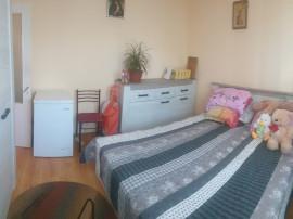 Apartament 3 camere spatios,renovat,central,etaj 2 !