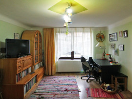 Apartament cu 2 camere - Ultracentral - Curte comuna