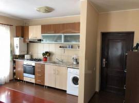 Apartament 3 camere zona Gradinita Mikey Mouse, Florilor, Fl