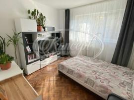 Apartament cu 3 camere, strada Horea