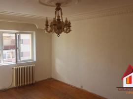 Apartament 3 camere CETATE - zona buna