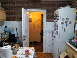 Apartament cu 3 camere în zona Complex Studentesc