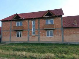 Doua case la pret de una, Masca, teren de 1518 mp