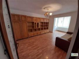 Ap. 3 camere decomandat etajul 1 Calea Bucuresti 107M1