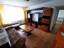 Apartament cu 3 camere, semidecomandat, parter, zona Dacia