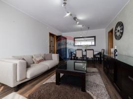 Apartament cu 3 camere de vânzare în zona Podgoria
