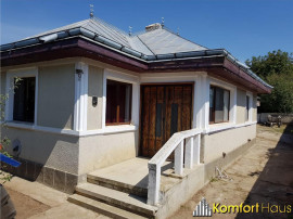 Casa in Prajesti