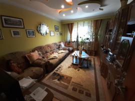 Apartament cu 3 camere situat in zona POARTA 6