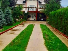 Potigrafu - Casa cu etaj, beci, garaj + 2600 mp teren