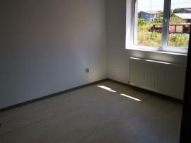 Casa cu 3 camere la 76 000 euro