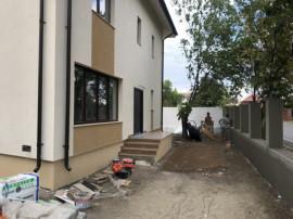 Vila spatioasa cu 4 camere/ teren 235 mp/