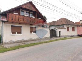 Casa in sat Voivodeni, jud Brasov, teren 4459 mp
