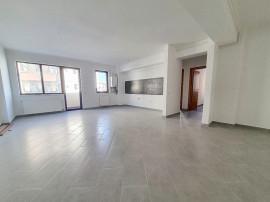 Apartament 3 camere Platou Gavana