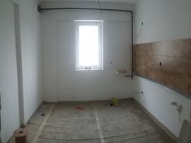 Apartament 2 camere, decomandat, se accepta credit bancar