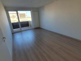 Apartament 2 camere, decom. - etaj intermediar - zona Astra