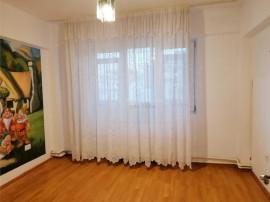 Apartament de inchiriat 3 camere decomandat 75mp UTILI