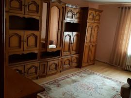 Inchiriez apartament cu 2 camere in zona Sens