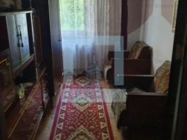 Ap.3 camere decomandat,2 bai,2 balcoane -zona Racadau