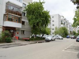 Prundu-Scoala nr. 7, apartament 3 camere, 73 mp, 2 balcoane!