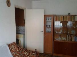 Apartament 2 camere etaj intermediar Florilor,106MN