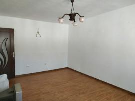 Apartament 3 camere Adjud in spate la BCR