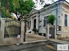 Casa cu birouri/ institutie/ambasada/hostel/camin