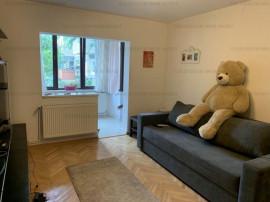 Apartament 2 camere, zona Tractorul