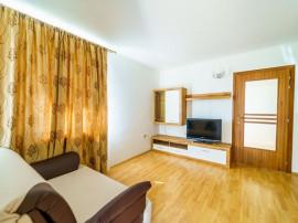 Apartament la casă cu 3 camere zona Uta
