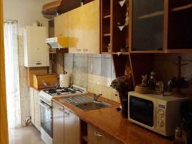 Apartament cu 4 camere, Cetate-Mercur