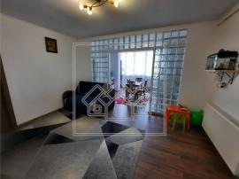 Apartament cu 2 camere si balcon 7 mp - zona Calea Cisnadiei