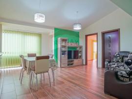 Apartament cu doua camere spatios si cu Priveliste frumoasa!
