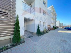 De vanzare, apartament cu 3 camere in Cartierul Florilor,...