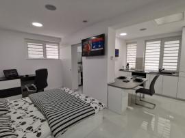 Cazare-Regim-Hotelier-Casuta cu Tei-Lime House-Chirie-Terasa