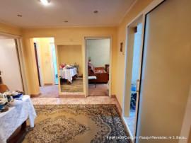 Piata Sud, apartament 4 camere, bucatarie mare, 2 bai, 75 mp
