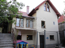 Casa individuala cu piscina in Gruia