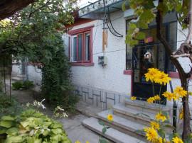 Casa în oraş cu potenţial turistic - zona centrala, Băicoi