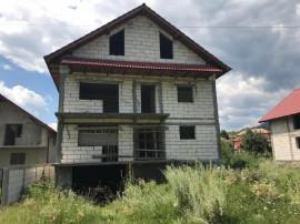Casa individuala + teren, Berislavesti, Negociabil|D+P+E+Pod